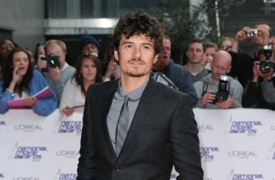 National Movie Awards a Londra  il look di Orlando Bloom - Moda uomo ... 40fd5b63755