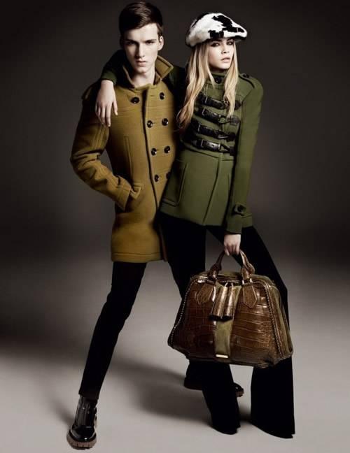 Burberry svela la nuova campagna pubblicitaria autunno inverno 2011 ... c1b1a692940