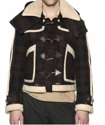 L inverno è alle porte e gli stilisti ci tengono a darci delle direttive.  Ci dicono esplicitamente cosa indossare quando vediamo più brand  sponsorizzare lo ... bbcc469c85f