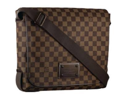 0337569db4 Louis Vuitton vizia l'uomo con borse chic - Moda uomo, lifestyle ...
