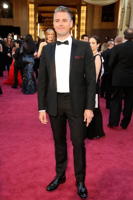 Paul Epworth in Burberry alla 85ma edizione degli Academy Awards ... 9fb8a4a1d39