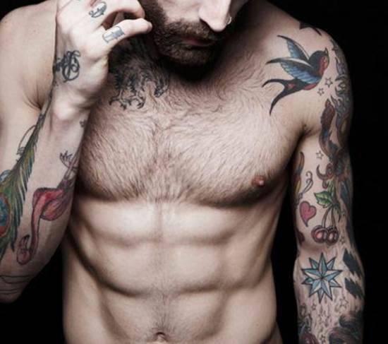 Moda tatuaggi dove farli e cosa tatuarti sulla pelle for Tatuaggi idee uomo