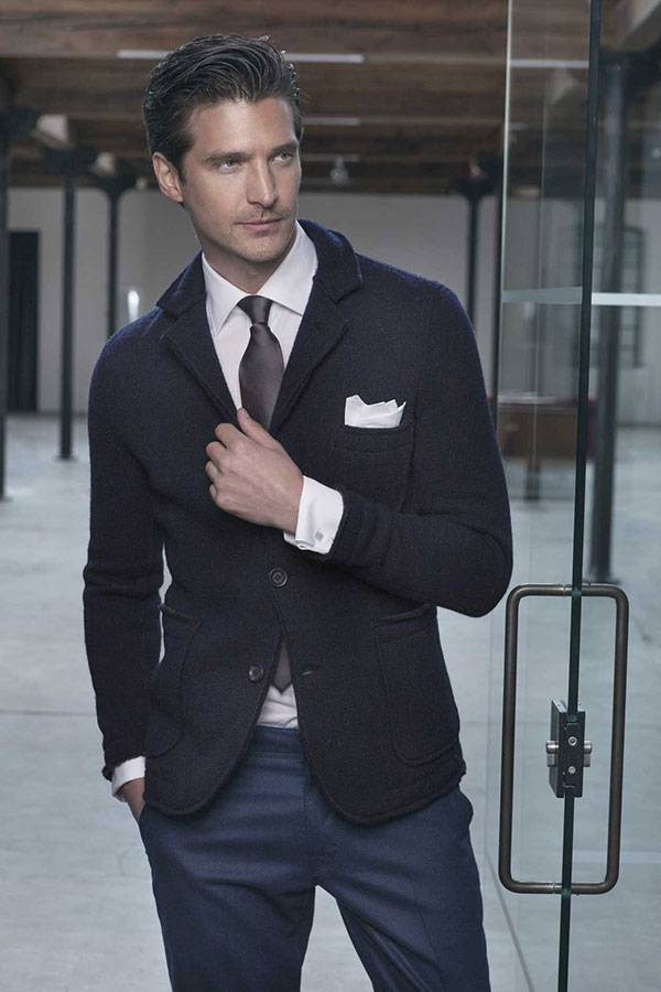 Uomo in giacca e cravatta, Toscani, Oliviero – Fotografie