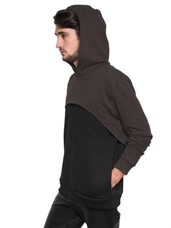 Nella nuova collezione per il F/W 13/14 Givenchy propone la felpa bicolore