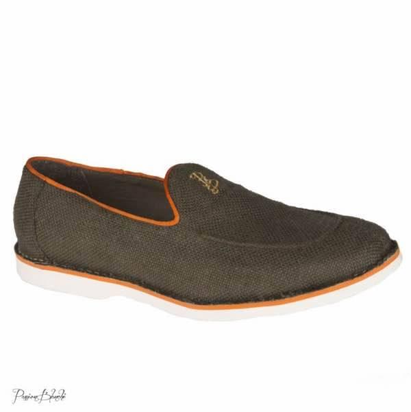 Sono le slippers in canvas proposte nella collezione Primavera Estate 2015  di Passion Blanche df442ec9584