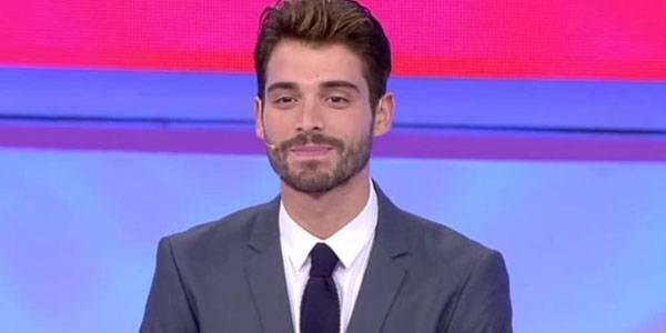 Amedeo Barbato è il nuovo tronista di Uomini e Donne ma aa833bce8bb