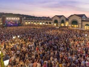 Fedez, Luca Carboni, Chiara e molti altri sono i protagonisti di Modamusica di luglio