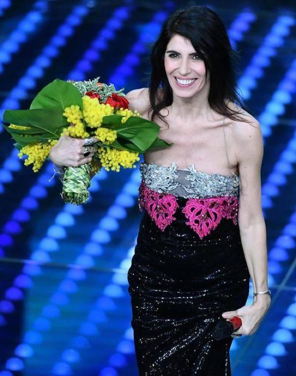 Giorgia a Sanremo in abito Francesco Scognamiglio look chic