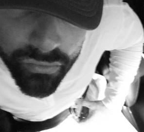 Ricky Martin Sanremo 2017 stilista look abito chi lo veste?