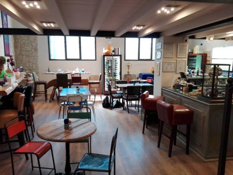 La zona del lounge-bar è ottima per concedersi aperitivi e piatti dalla grande qualità.
