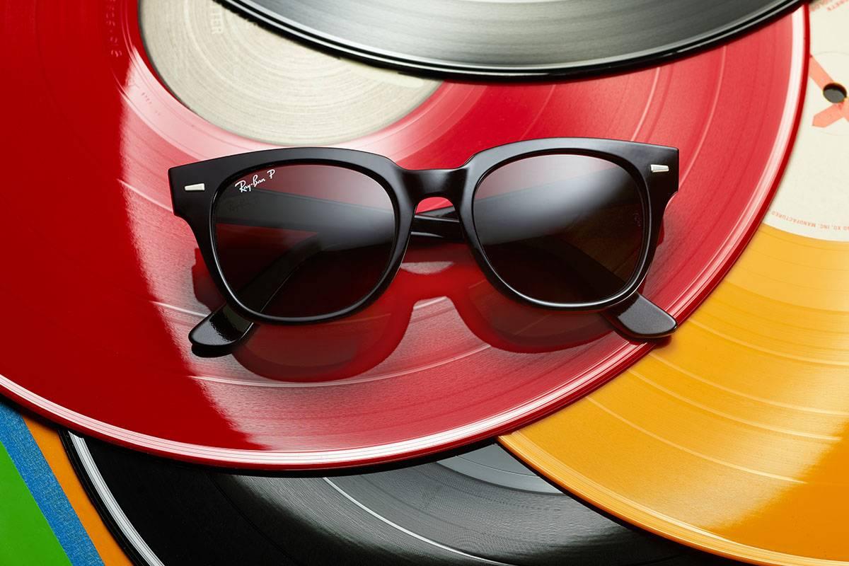 Ray-Ban e lo stile che si rifà agli anni 60'