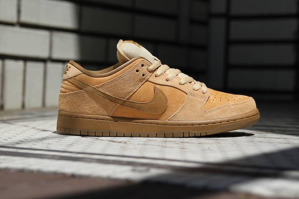 """Stile classico: questi i termini che meglio descrivono le Dunk Low """"Wheat"""" di Nike SB"""