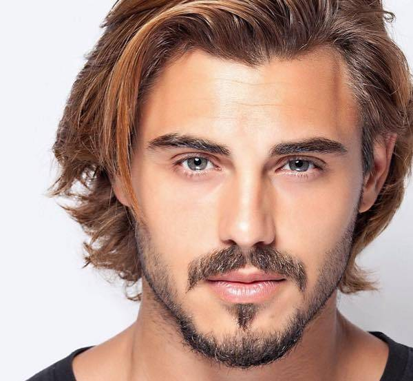 Nuovo look capelli uomo  a0a68bf96b3b