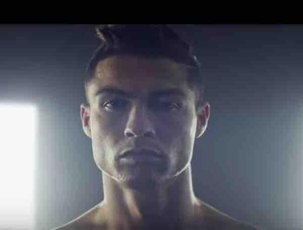 Cristiano Ronaldo nuova collezione moda uomo ecco i jeans il VIDEO