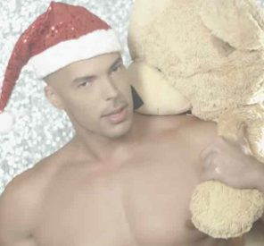 Gli auguri di Natale del mondo gay secondo Andrew Christian VIDEO