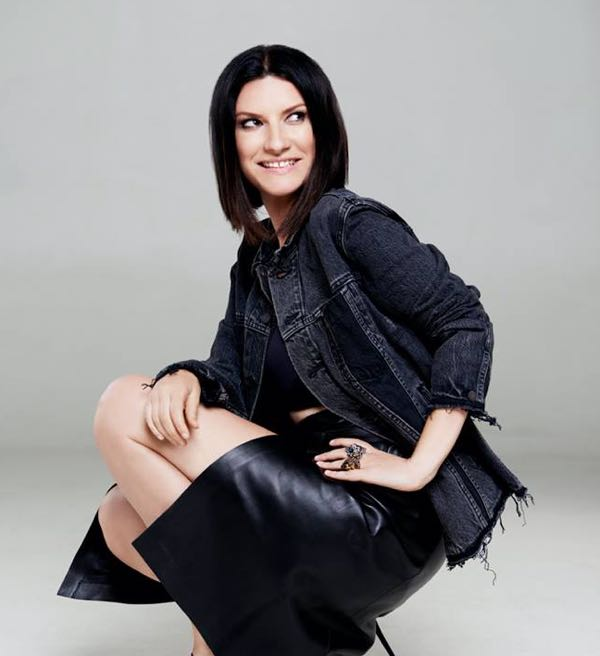 Laura Pausini: show pazzesco a Sanremo 2018 (video e gallery)