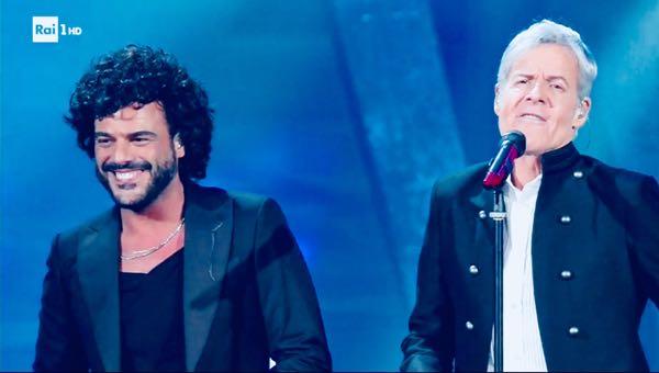 Renga a Sanremo 2018 abito e stilista e lo smoking di stile