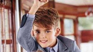 Chi è Andrea il bambino testimonial di Armani che va a scuola e fa il modello