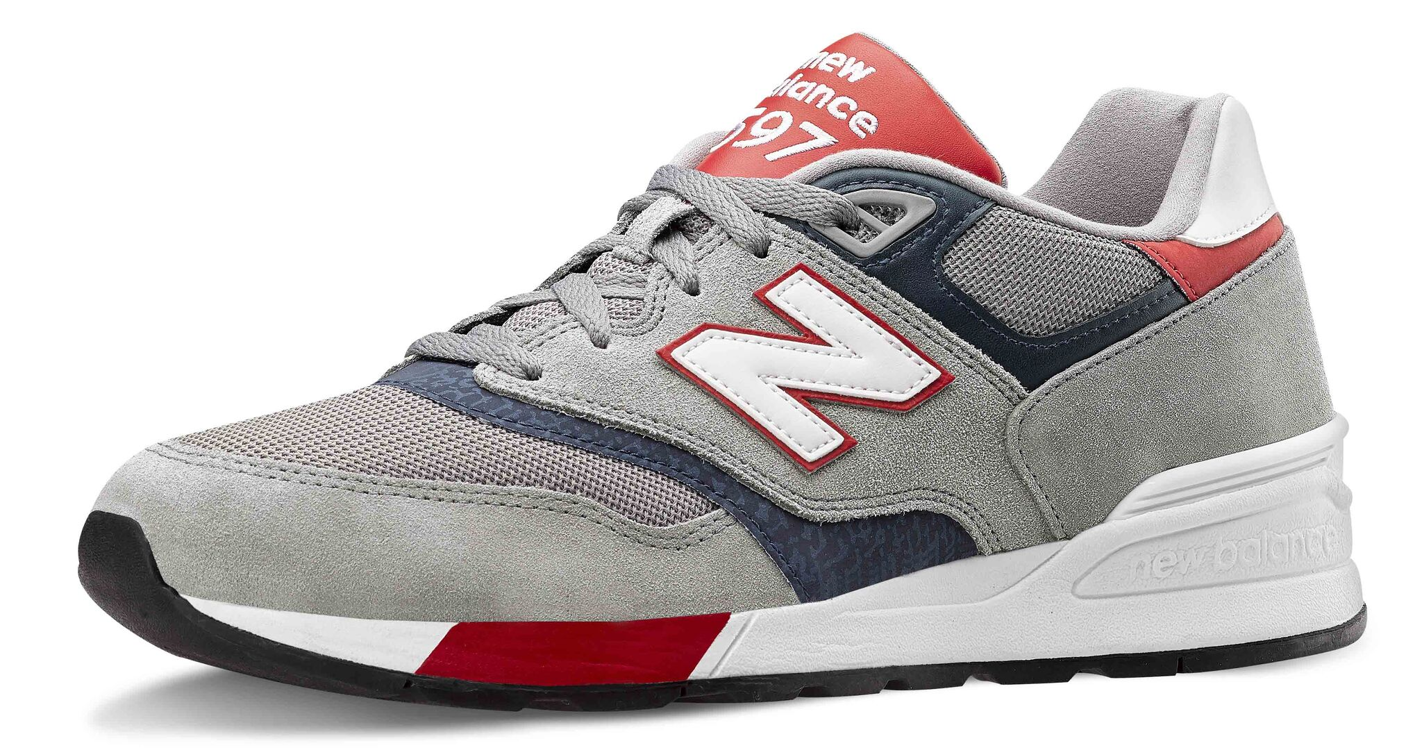 Sneakers uomo ecco le nuove di adidas Originals, Diadora, New Balance e Reebok