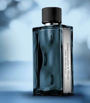 Abercrombie & Fitch svela il nuovo profumo da uomo First Instinct Blue