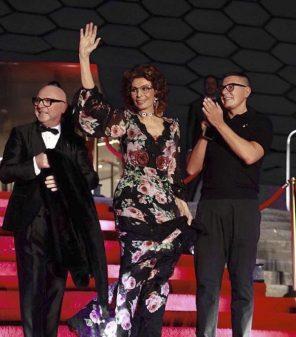 Sophia Loren alla corte di Dolce e Gabbana a Mexico City