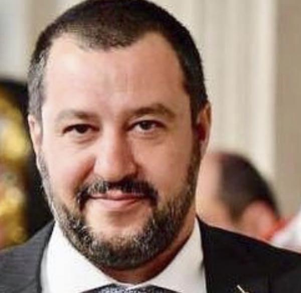 Matteo Salvini le consultazioni per il governo e una dieta dimagrante no? Salvini ingrassato