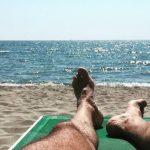 Come prendere il sole proteggendo la pelle ed evitare scottature?