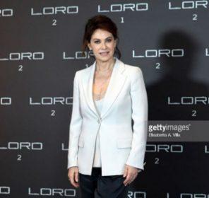 Loro 2 red carpet del film su Berlusconi arriva Elena Sofia Ricci