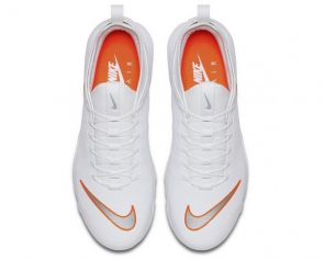 La nuova Nike Mercurial TN, la sneaker bianca dal design unico