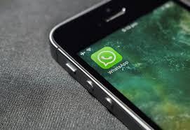 Whatsapp ecco come scoprire chi ci sta spiando il profilo a nostra insaputa