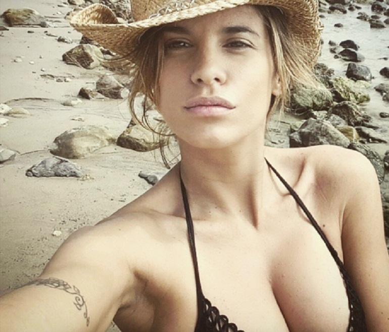 Elisabetta Canalis compie 40 anni e resta in perfetta forma e sempre bellissima