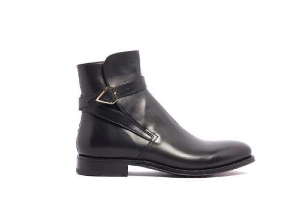 Pitti Uomo gennaio 2019 il lusso ai piedi le scarpe di tendenza ... dfa3bd34b36