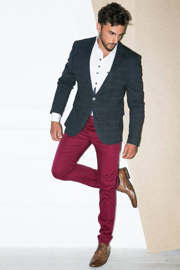c71654d1c8 Insomma possiamo dire che la moda uomo della prossima primavera ci  reinventa e ci dona quel tocco casual chic che non può mancare nel nostro  guardaroba se ...